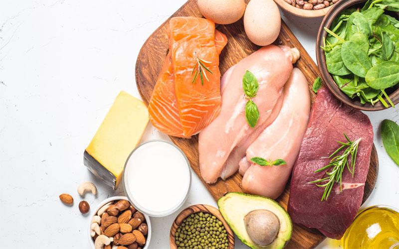Đừng quên bổ sung đầy đủ chất dinh dưỡng để giúp cơ ngực phát triển tốt nhất.