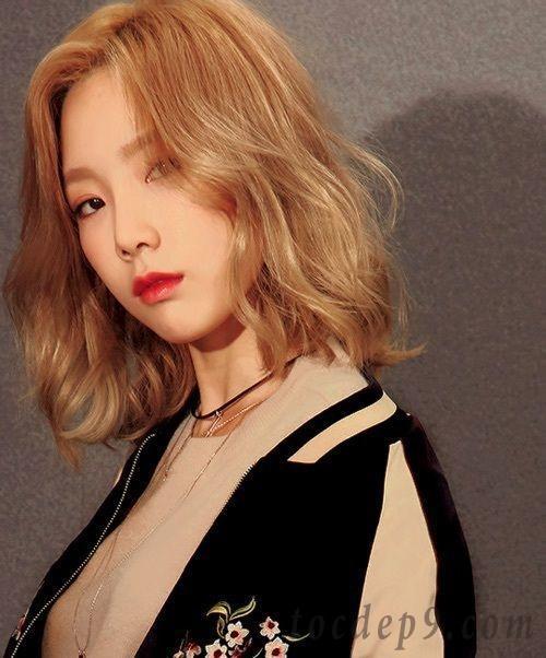 Các kiểu tóc xoăn ngắn cho mặt tròn đẹp dẫn đầu trào lưu thịnh hành nhất 2019