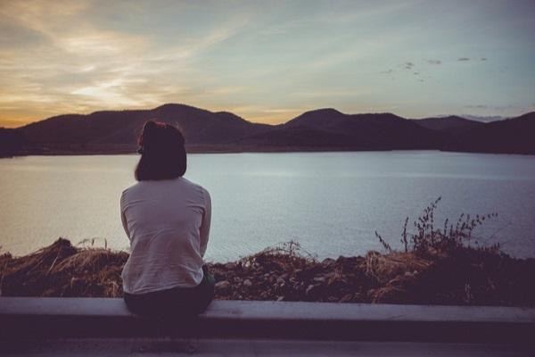 Top Status tâm trạng buồn chán đời tuyệt vọng của giới trẻ trên Facebook