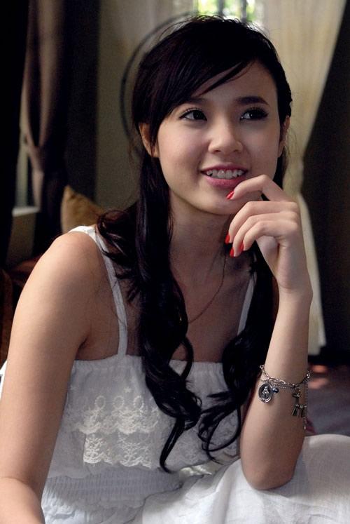 Thông tin tiểu sử năm sinh diễn viên hot girl Midu và cuộc chia tay đại gia Phan Thành